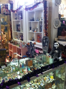 Cannery Row Antique Mall - Monterey, CA