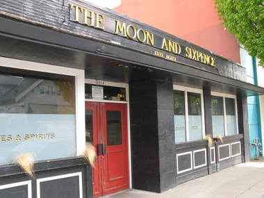 Moon & Sixpence British Pub - Portland, OR