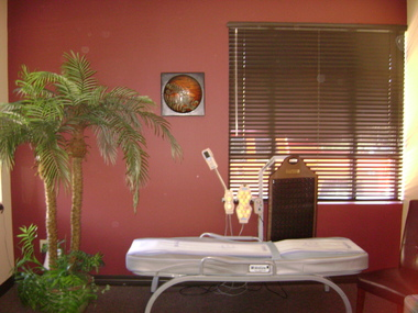 Migun Therapeutic Massage Bed - Niles, IL