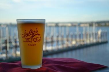 Salty's On The Columbia River - Portland, OR