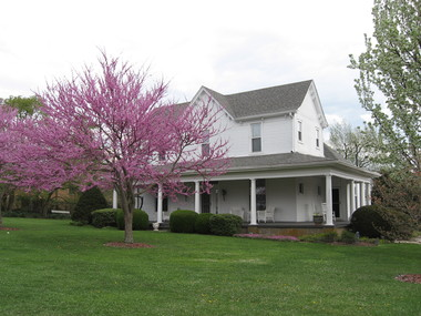 1898 Red Bud Bed & Breakfast - Wilmore, KY