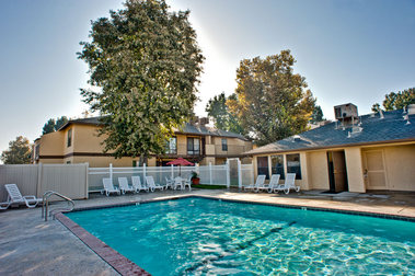 Kings Pointe Apartments - Kingsburg, CA