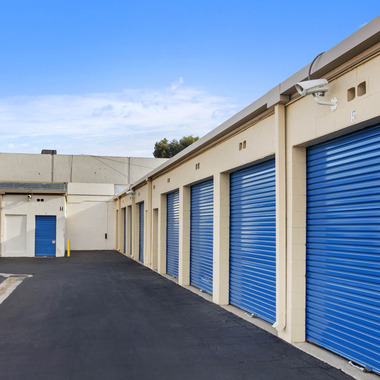 US Storage Center - Chatsworth, CA